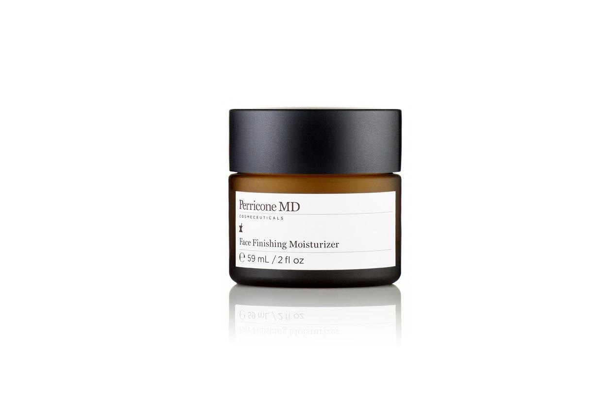 Il Face Finishing Moisturizer di Perricone MD ha una formulazione ricca e un delicato profumo di rosa