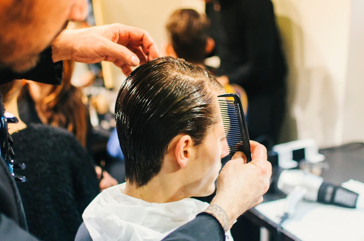 L'Hardwear 16 Super Strong Hair Gel di Redken For Men assicura una tenuta perfetta