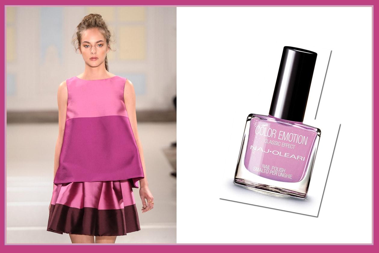 MILLE SFUMATURE RADIOSE: il top a trapezio con mini gonna di Temperley è perfetto con lo smalto Color Emotion 146 rosa di Naj Oleari