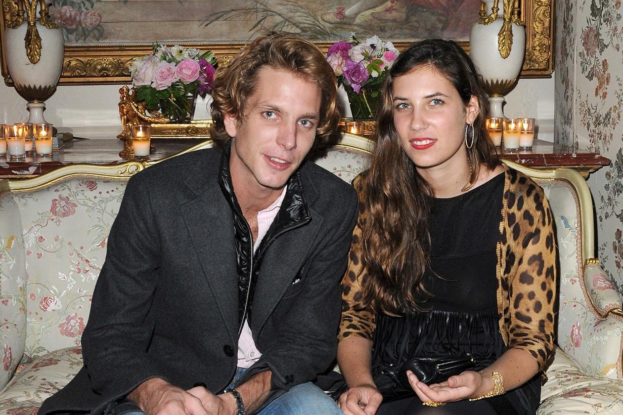 Una cerimonia intima, che vedrà la partecipazione di pochi intimi, tra cui, oltre alle famiglie, Margherita Missoni, Bianca Brandolini e Karl Lagerfeld