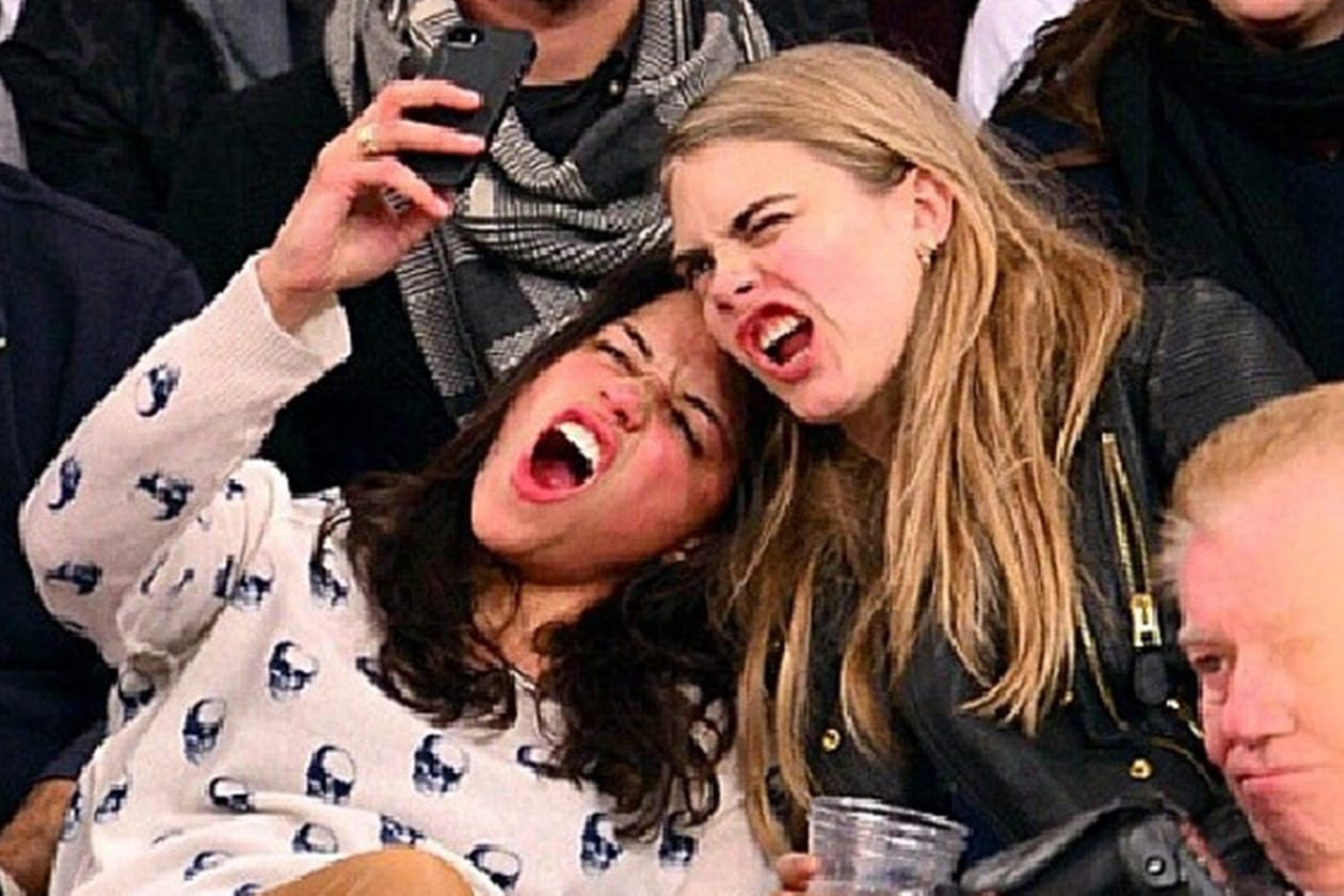 Tra un selfie e una birra, le due hanno mostrato un certo feeling. Durerà?