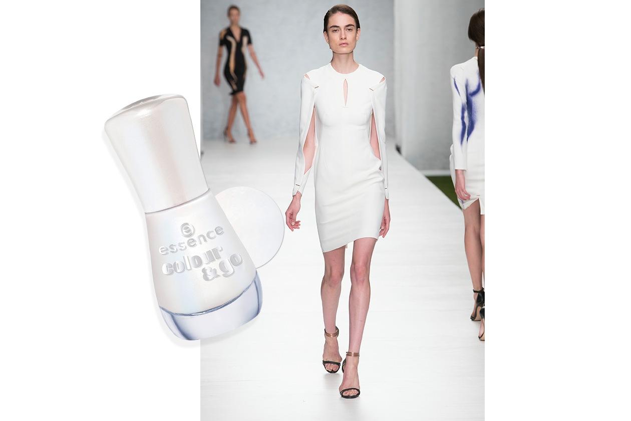 BEAUTY moda & nails in white Schwab Essence