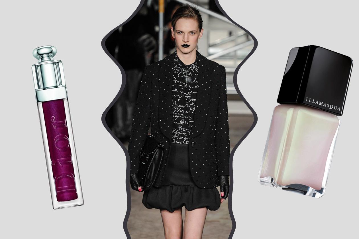 BRIT-ROCK: gonne a palloncino e borchie per Moschino. Labbra scure con il rossetto viola, colore più discreto sulle mani (Dior – Illamasqua)