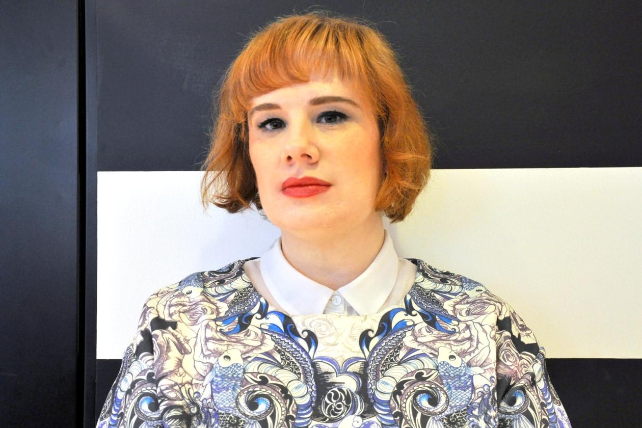 Il make up di Daniela Losini, senior beauty editor di Grazia.IT, mette in evidenza il contorno degli occhi