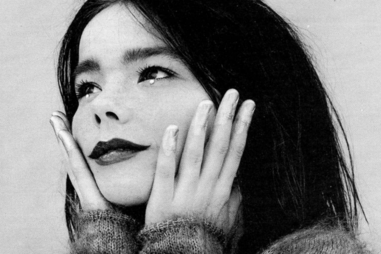 Il make up si lascia ispirare da uno scatto di Björk firmato da Jean Baptiste Mondino