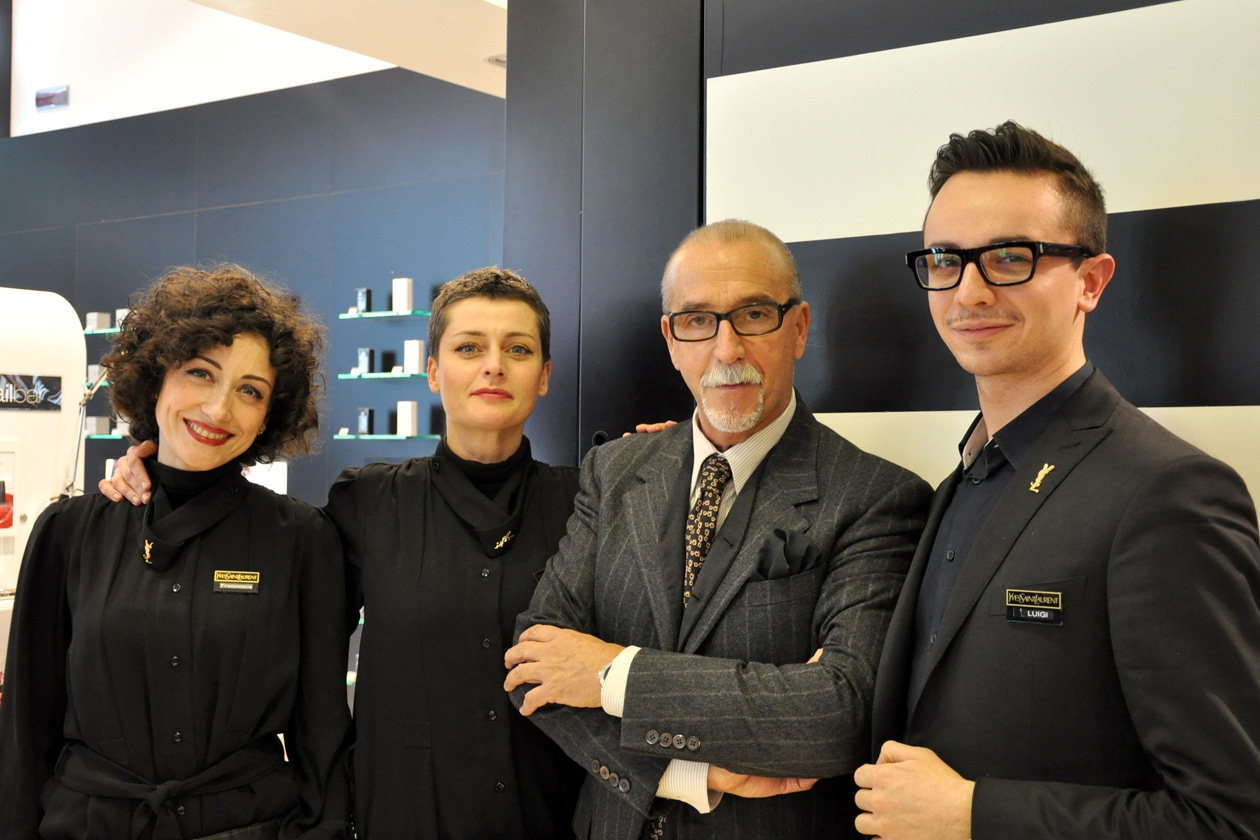 Il team di Yves Saint Laurent: al centro Valter Gazzano, national make up artist