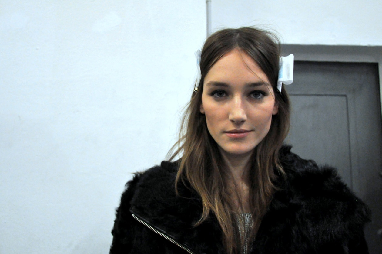 Josephine Le Tutour nel backstage di N.21 di Alessandro Dell'Acqua: she is amazing!