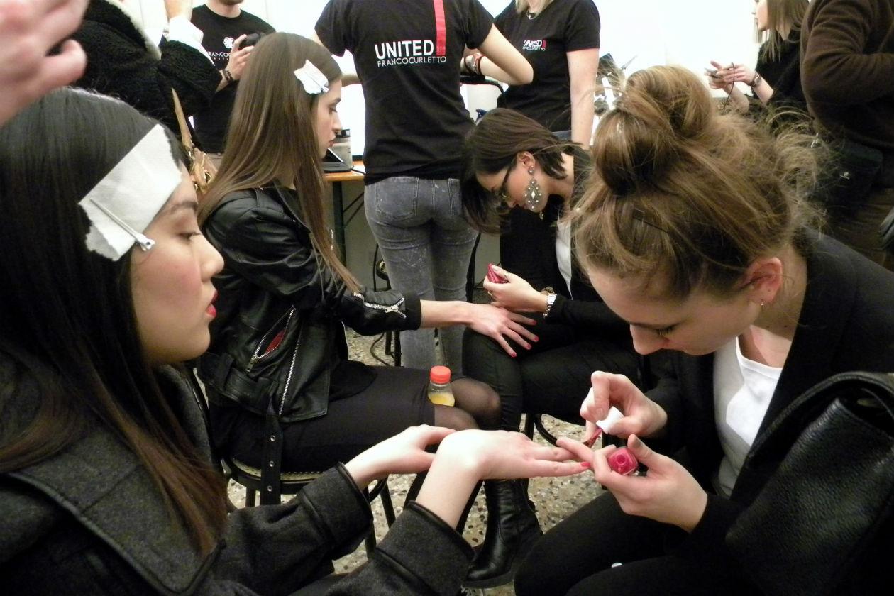 Le manicurist a lavoro