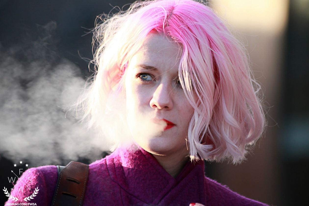 Shatush tutto in rosa per Marianne Theodorsen: ci piace il contrasto tra le radici fluo e le lunghezze in pastello