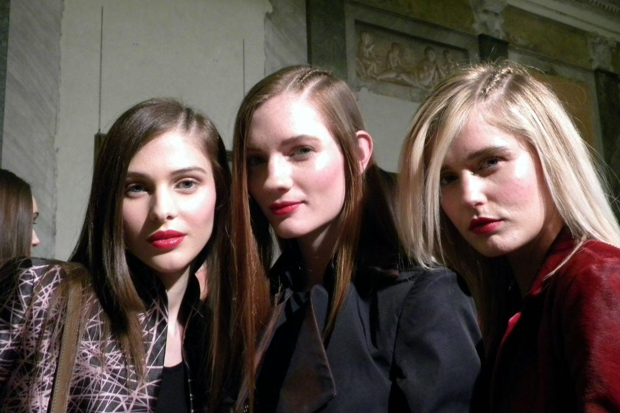 Tris di bellezze (al centro la modella Kristin Zakala)