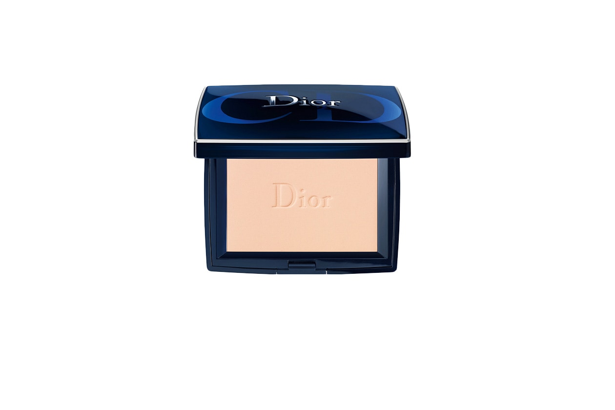 Beauty dree hemingway DIOR Cipria Diorskin Forever Poudre Compacte