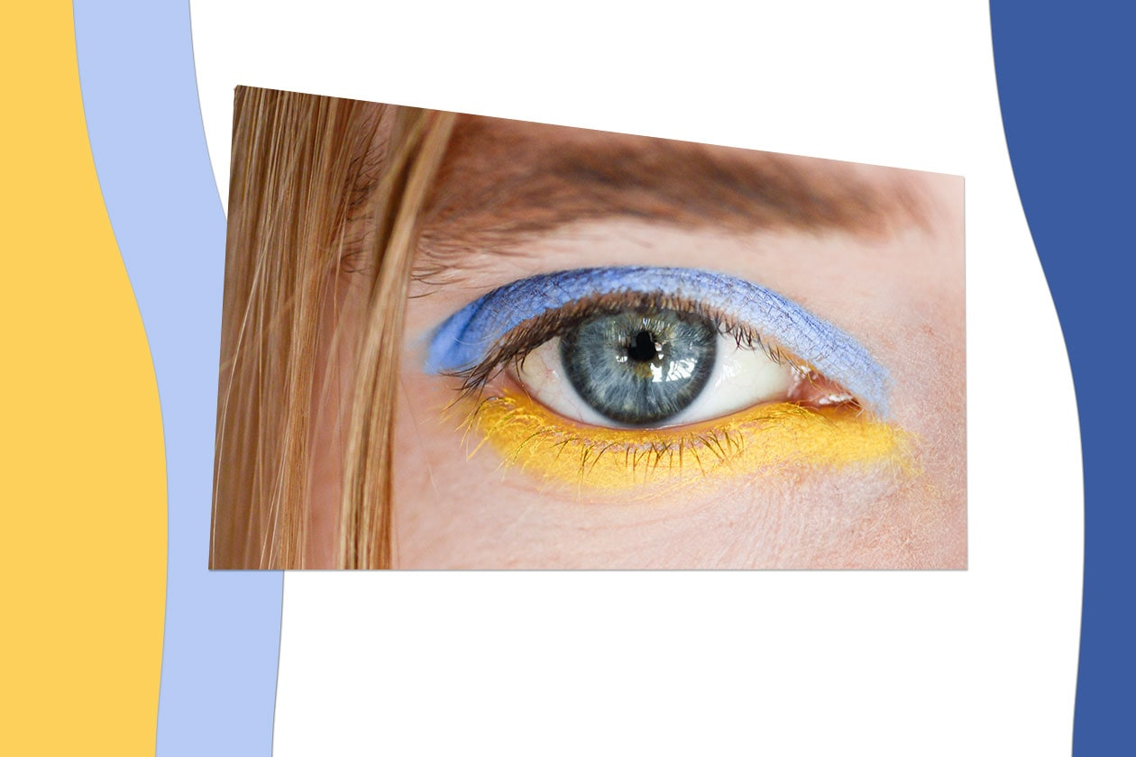 DOUBLE COLOR: l'idea è di accostare due colori forti per rompere gli schemi. Per esempio, blu e giallo, come fa Jesus Del Pozo