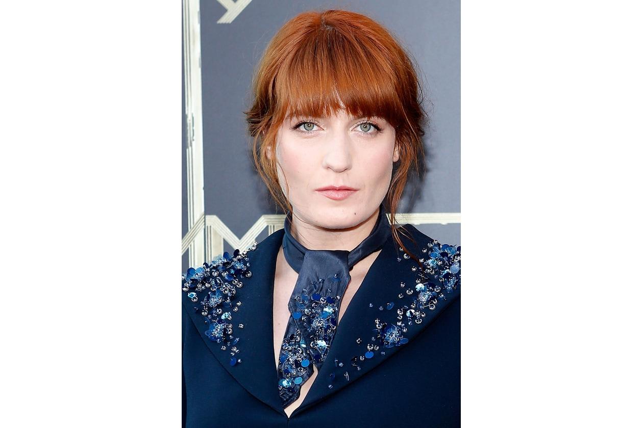 FIRE!: intenso il rosso di Florence Welch, la voce dei Florence + The Machine, valorizzato da un hairdo sempre molto morbido