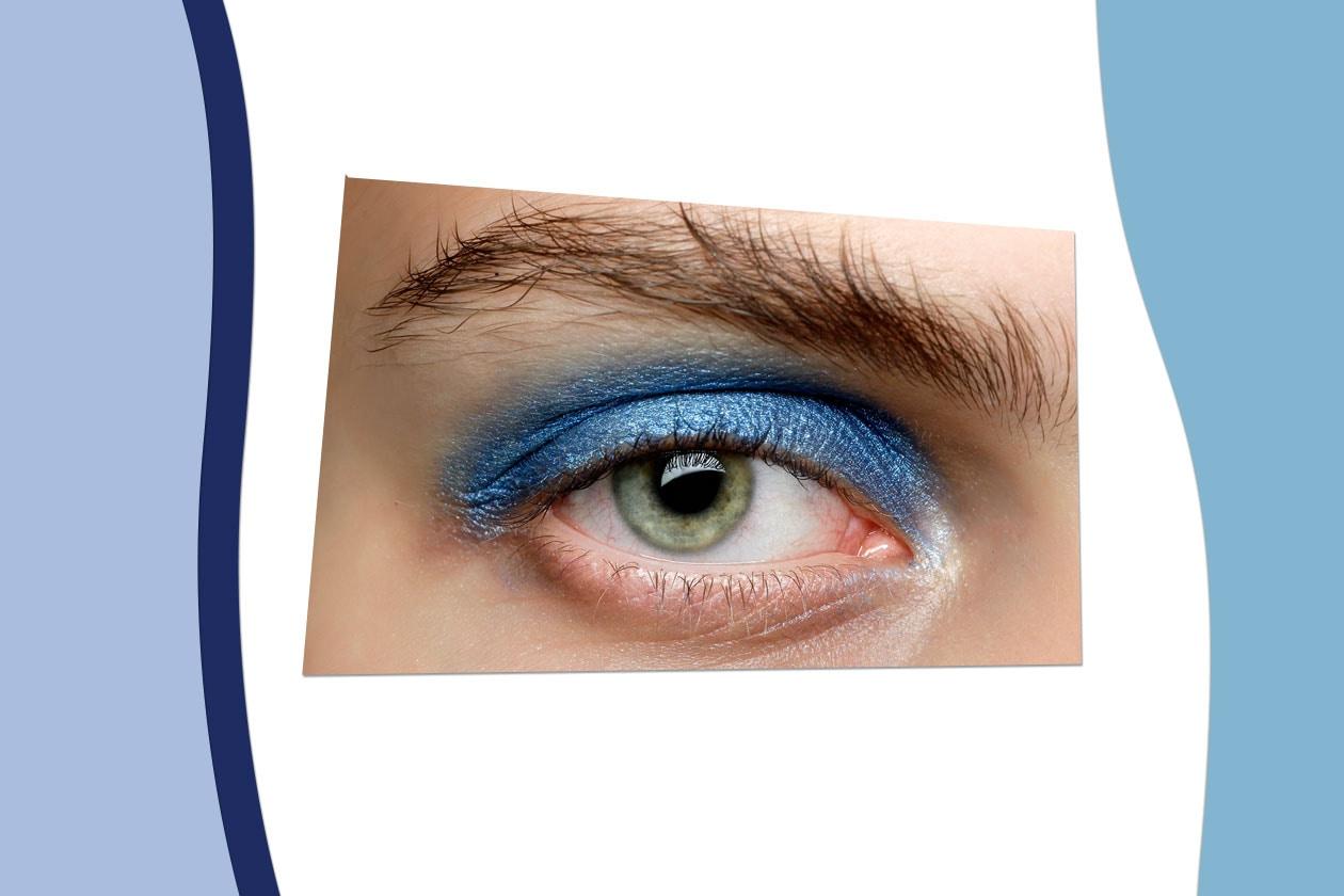Il nostro consiglio alle appassionate del blu è di replicare il beauty look proposto da Marc by Marc Jacobs