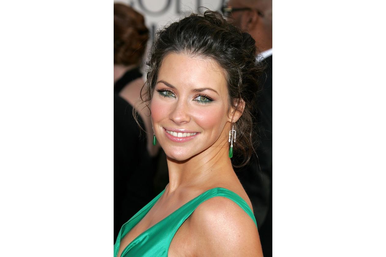 Il trucco sugli occhi è abbinato al vestito e agli accessori: il verde è davvero il colore di Evangeline! (2006)