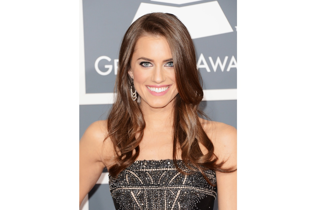 Allison Williams 10