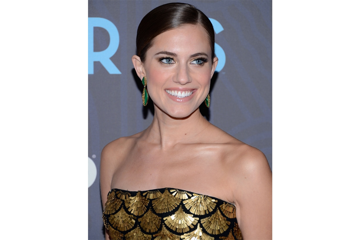 Allison Williams 7