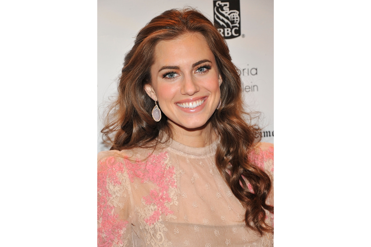Allison Williams 5