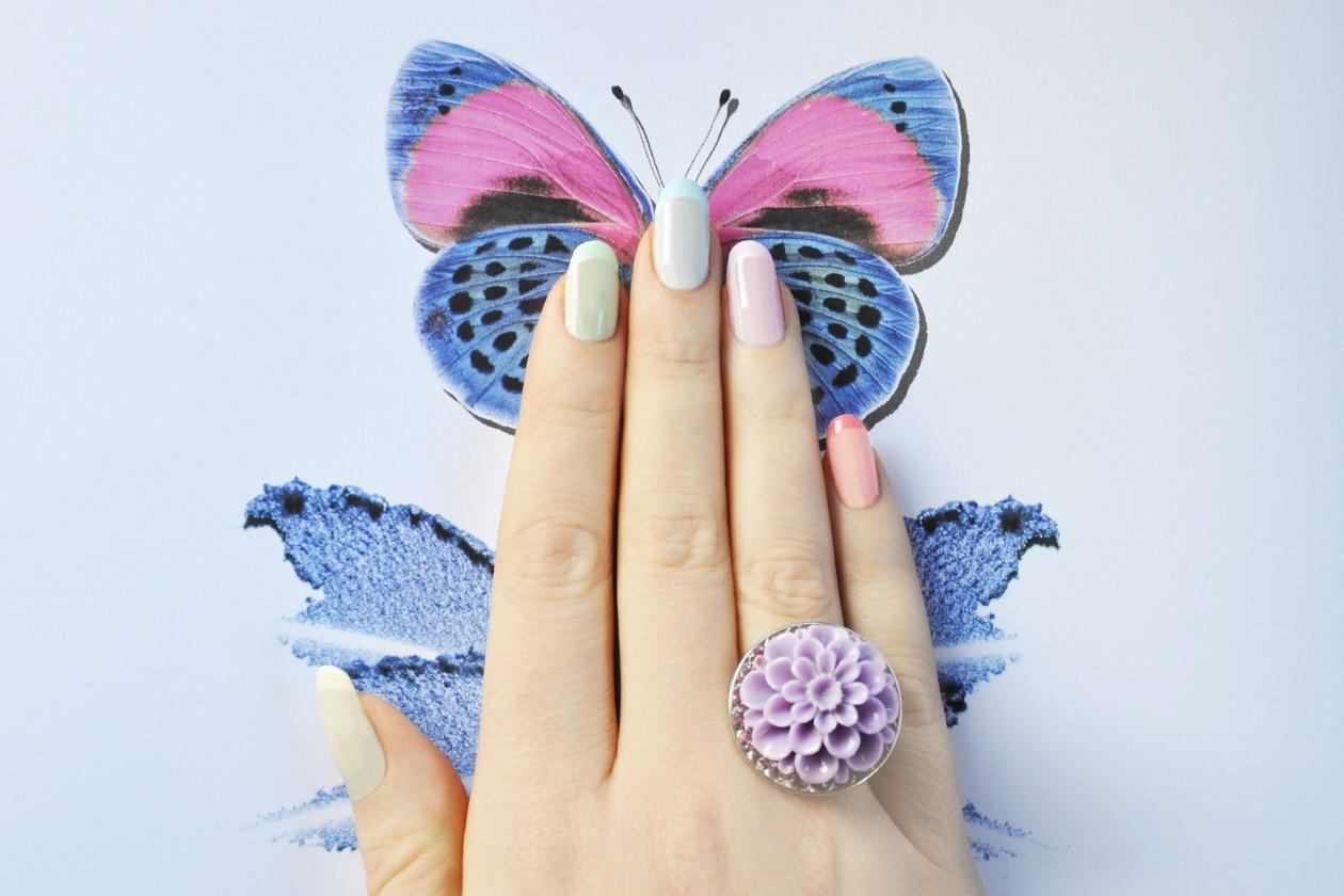 1. Trasparenze – manicure