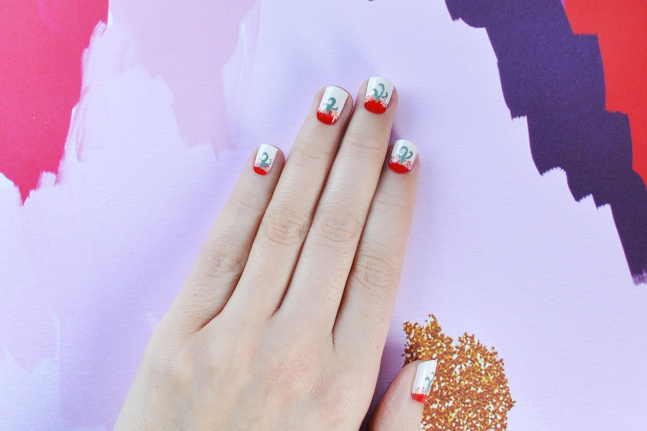 10. Folk – manicure