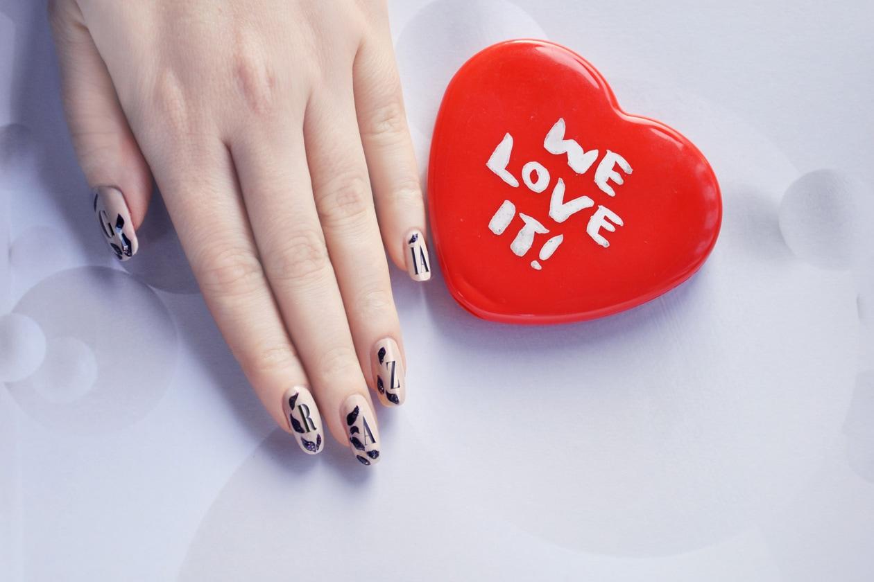 3. Mini Messaggio – manicure