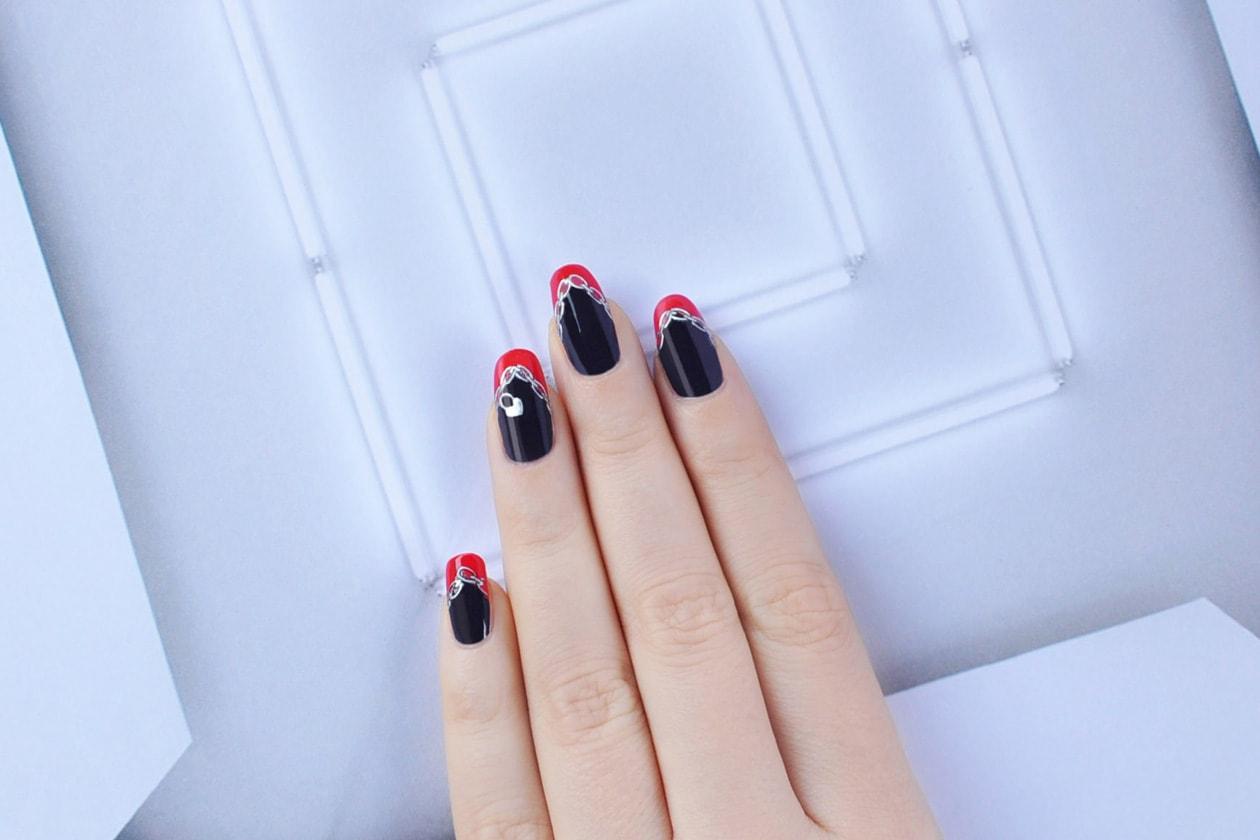 7. Rebel – manicure