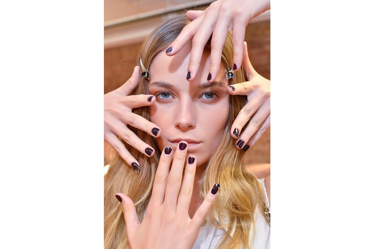 BEAUTY Dark Nails Fallon nls W S14 N 003