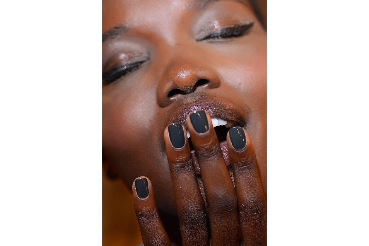 BEAUTY Dark Nails Mark And Estel nls W S14 N 001
