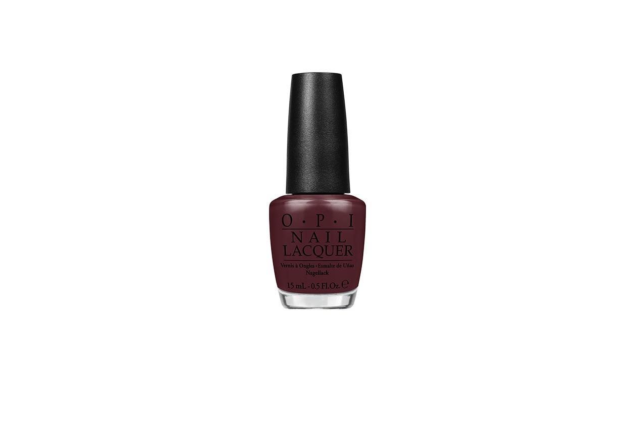 BEAUTY Dark Nails NLA63 OPIScoresaGoal