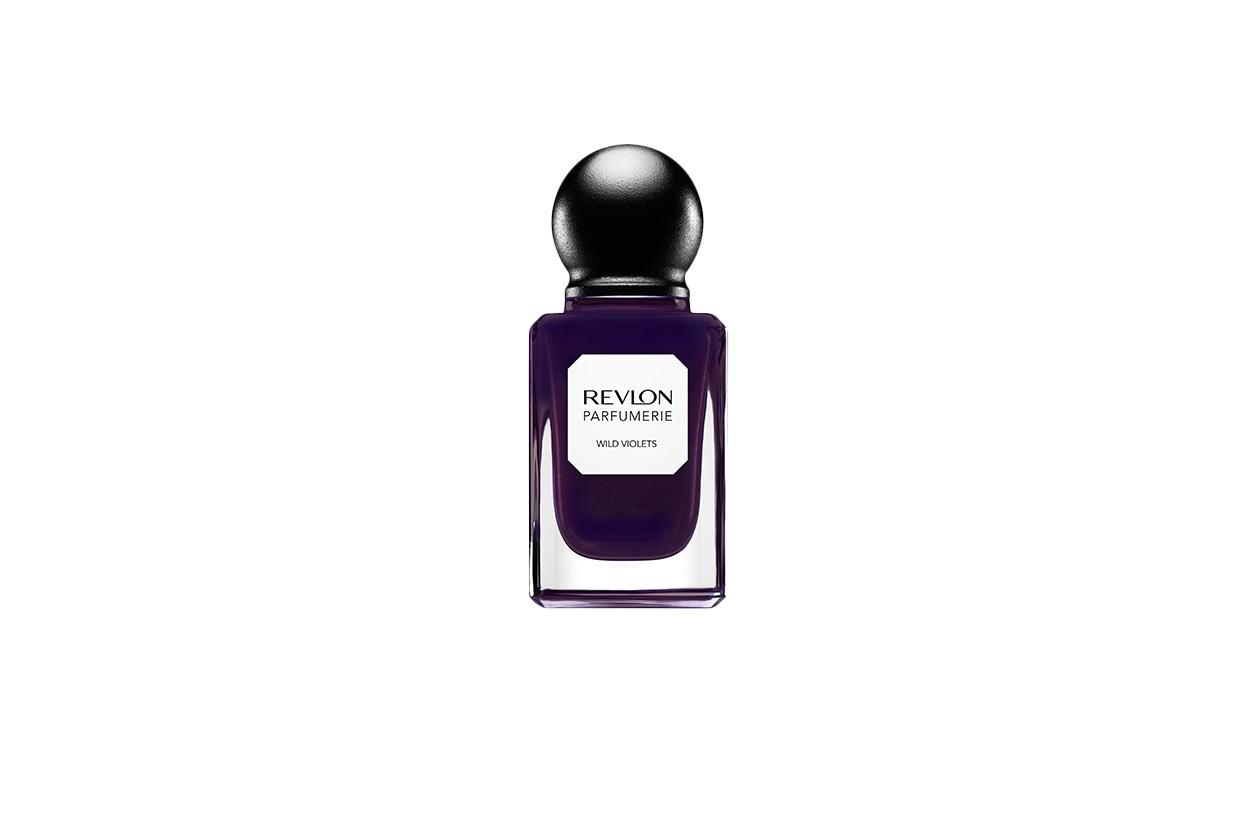 BEAUTY Dark Nails rev parfumerie wildviolets retouched 600Bv1