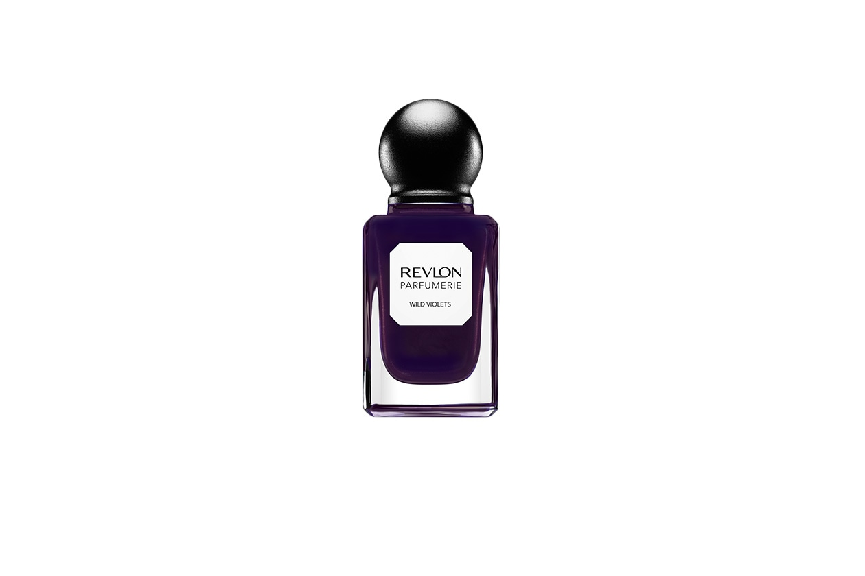 BEAUTY Dark Nails rev parfumerie wildviolets retouched 600Bv1