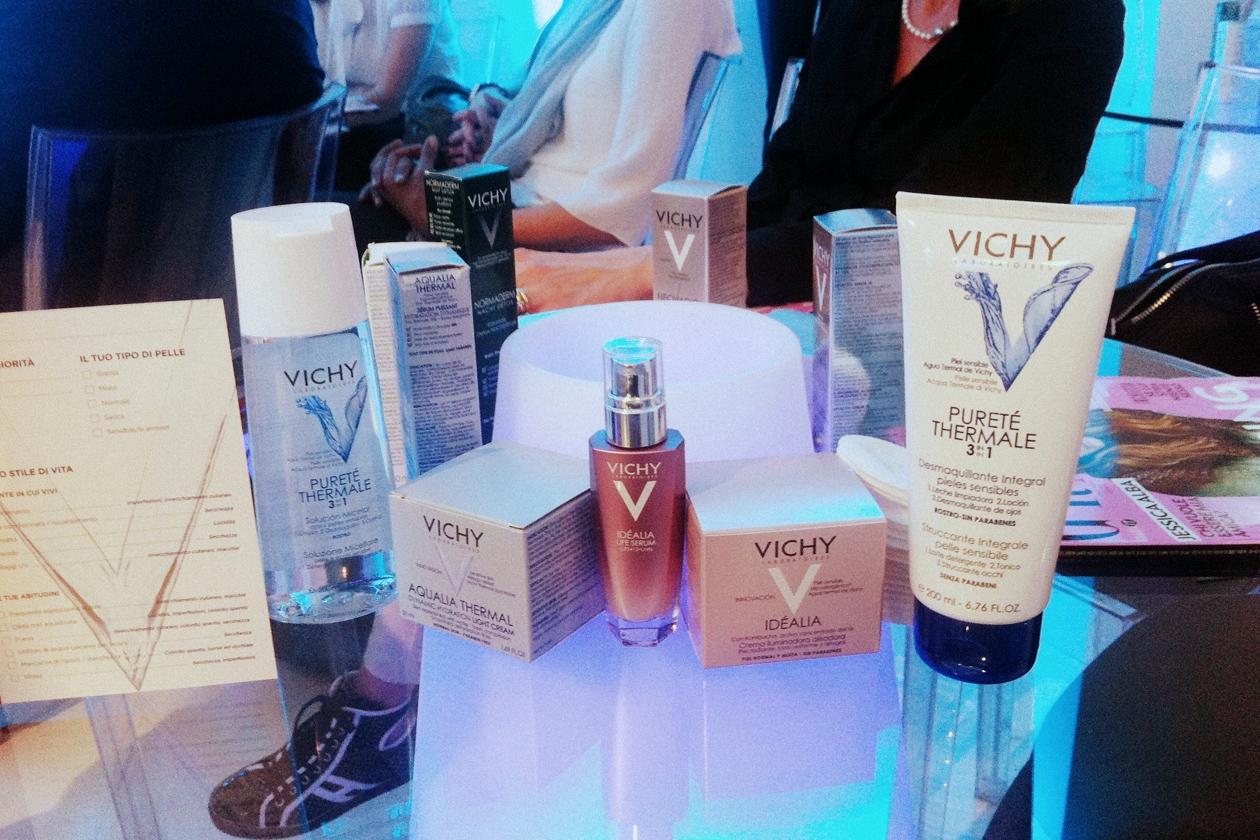 Dal detergente al siero fino al soin per il trattamento: tutti i segreti di bellezza di Vichy