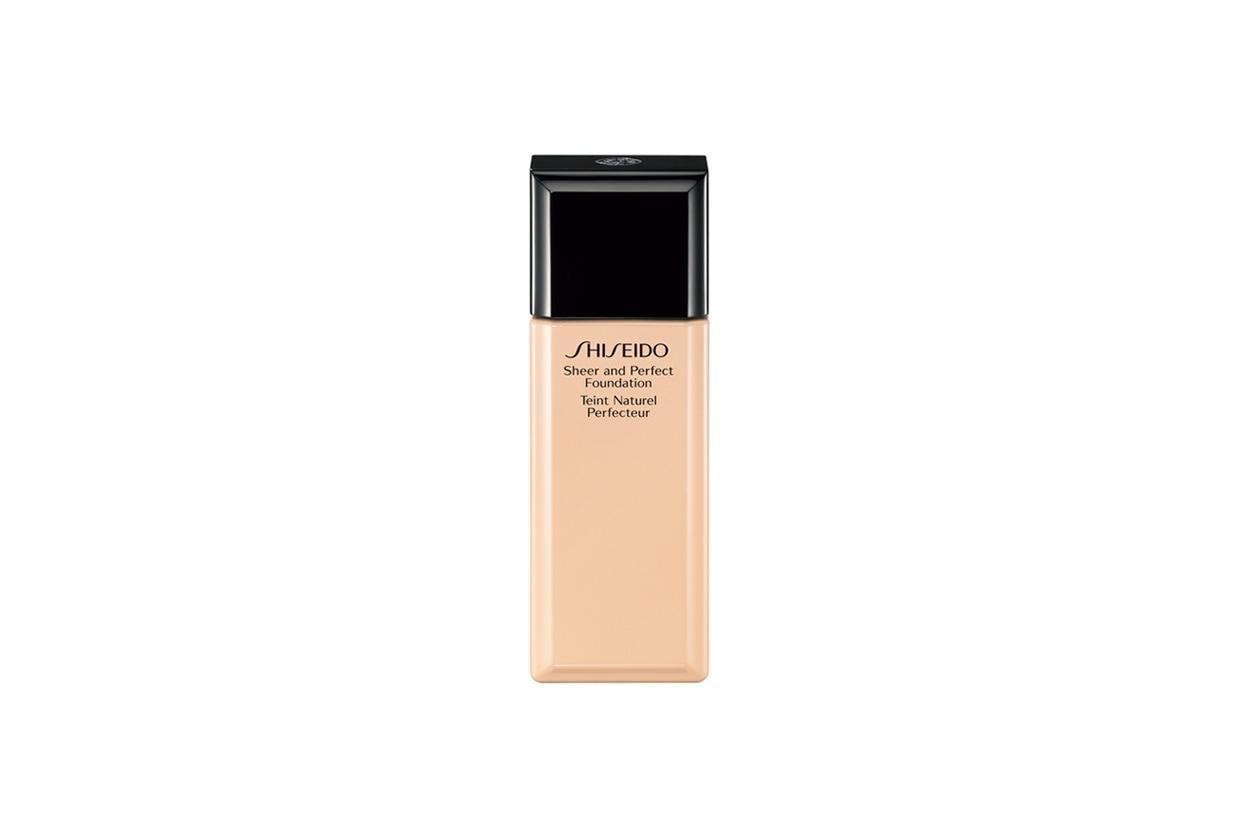 Il fondotinta Sheer And Perfect Foundation di Shiseido ha un finish naturale