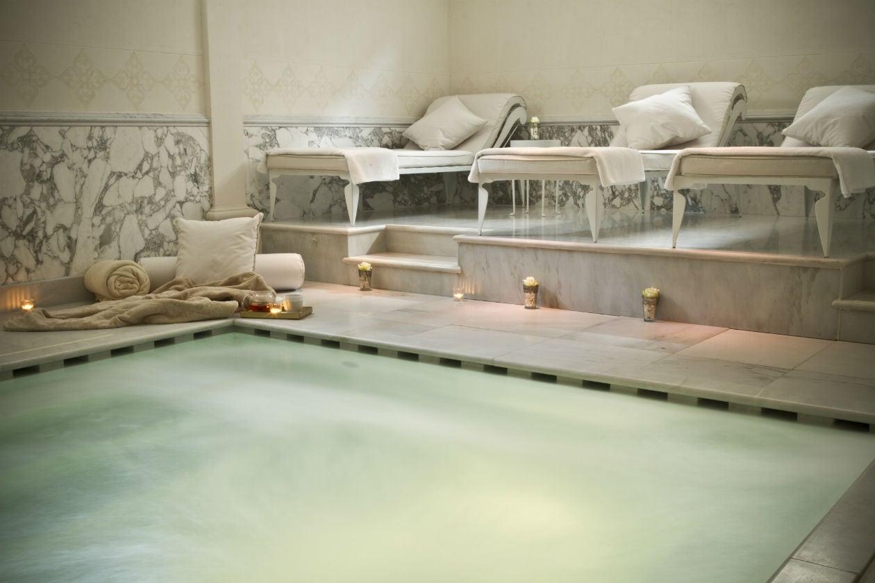 Sperimentate il bagno Drenante che favorisce l'eliminazione dell'acqua dai tessuti sottocutanei presso la spa del Grand Hotel Villa Cora