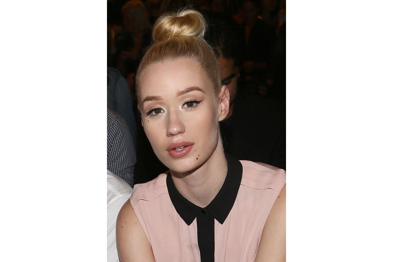 PELLE PERFETTA: il viso della modella 23enne non presenta particolari imperfezioni