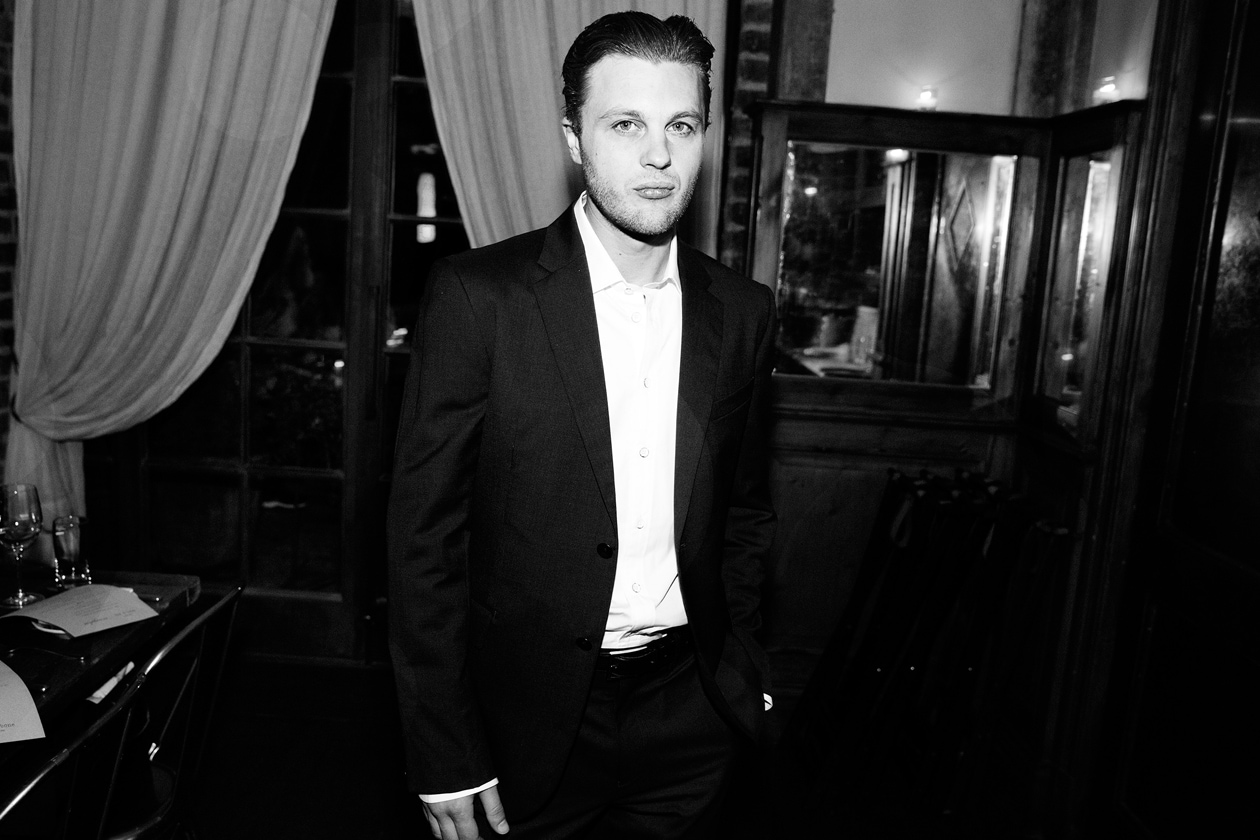 A19 Michael Pitt in Rag & Bone