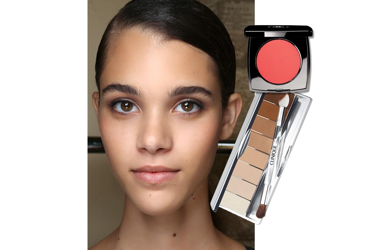 BLUSH APRICOT E OMBRETTI NUDE: dalla sfilata di Cividini. Make up: Clinique – Chanel