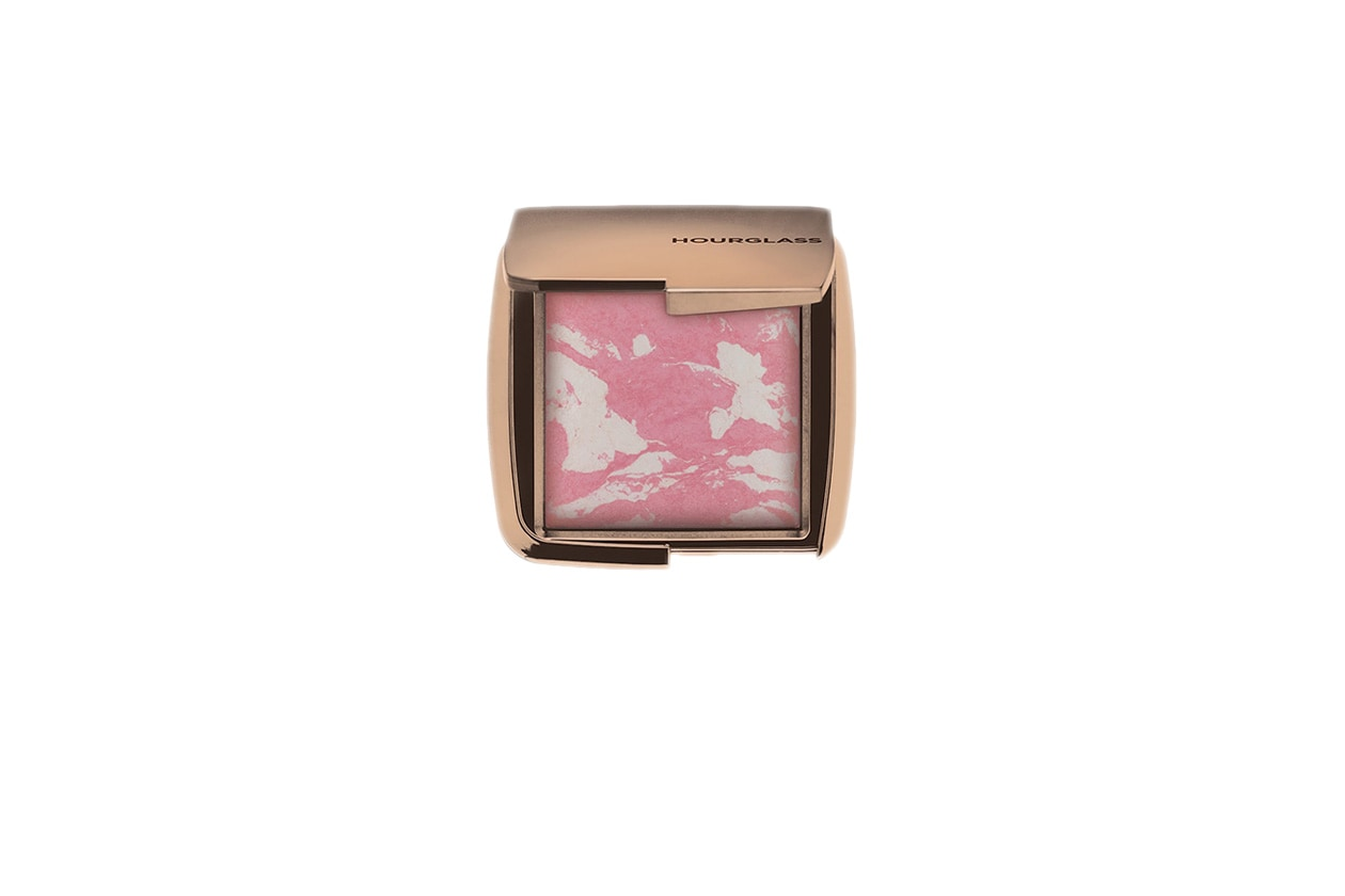 Beauty Jennifer Connelly Hourglass Ambient Lighting Blush Ethereal Glow