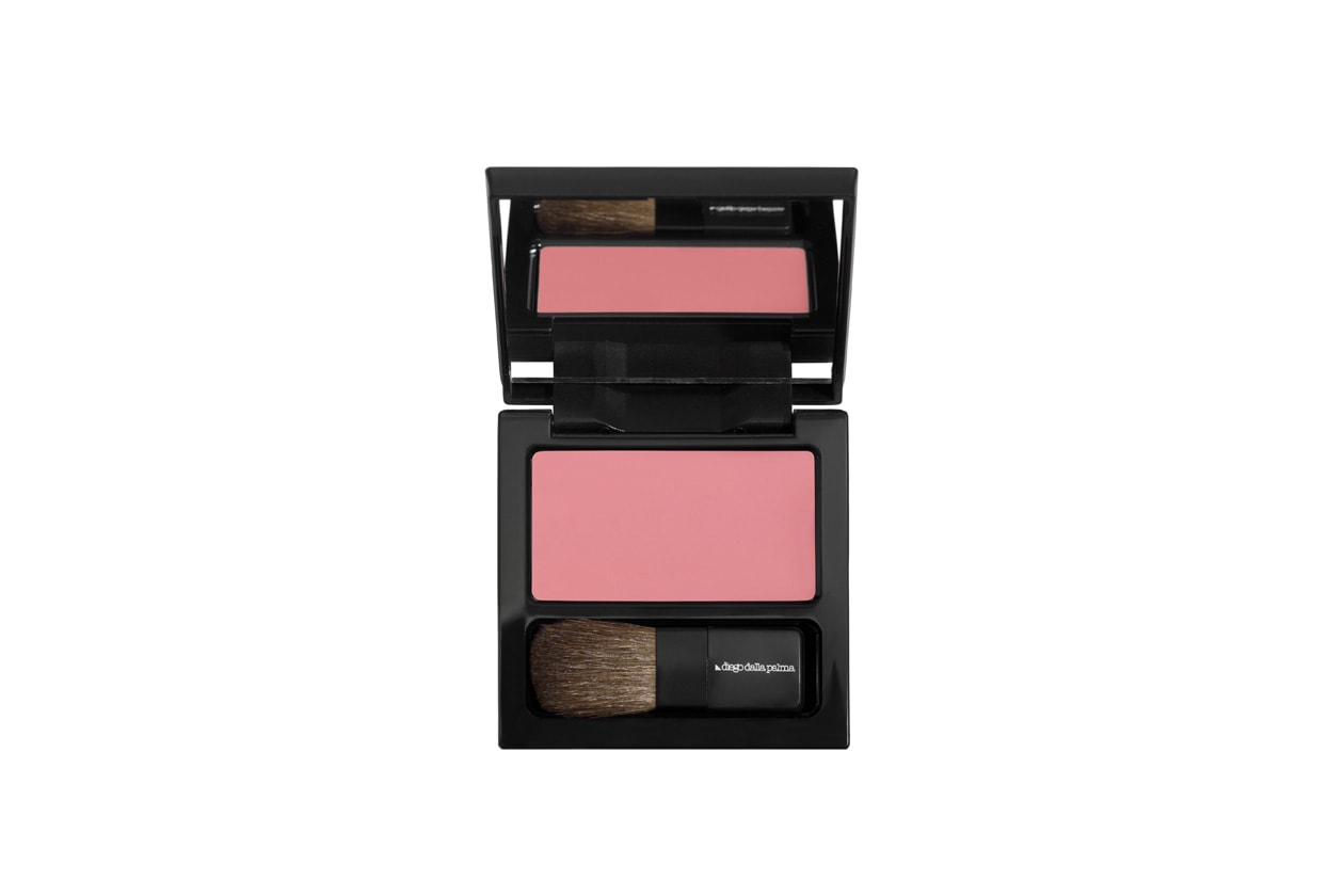 Creamy Blush n.60 in Rosa Baby Luminoso di Diego Dalla Palma per un make up doll effetto bonne mine