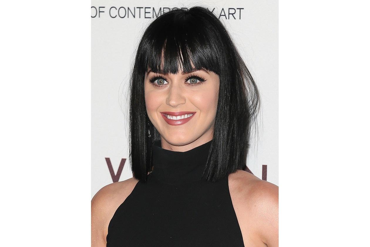 Katy Perry: un caschetto lungo quasi geometrico