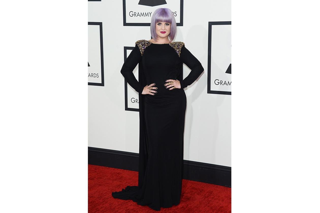 Kelly Osbourne: a noi piace molto l'hair look scelto per i Grammy Awards, a cavallo tra mood dark ed eleganza vintage
