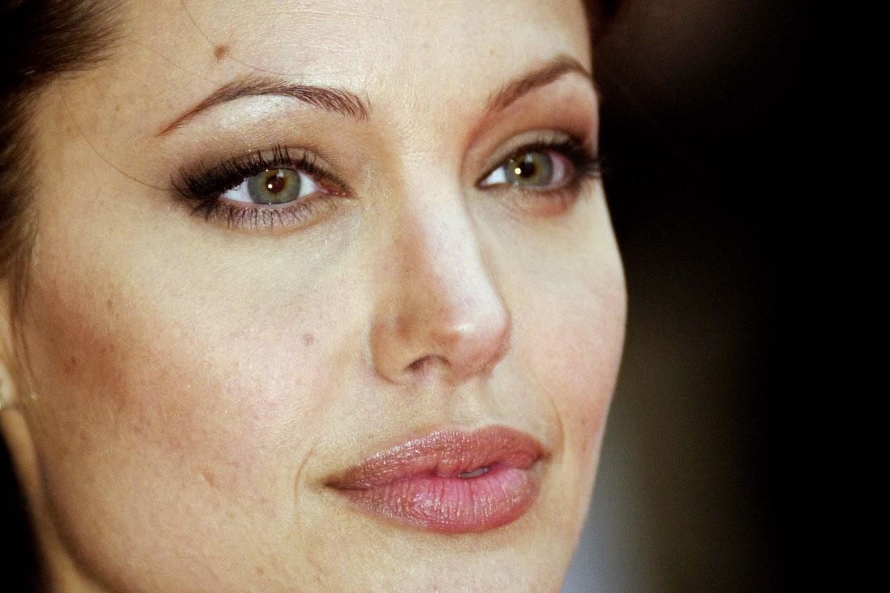 Nel 2003 è il momento Tomb Raider: Angelina è al massimo della forma