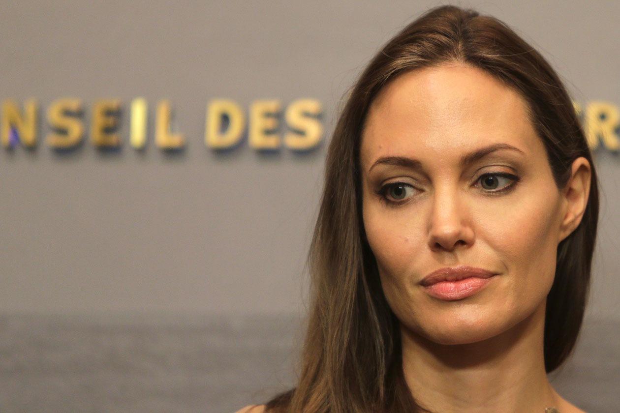 Nelle occasioni formali l'attrice preferisce un make up nude (2012)
