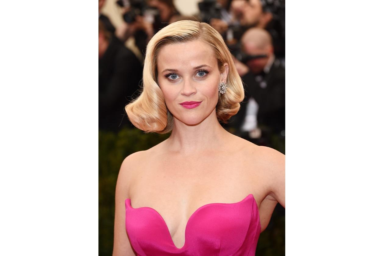 TRA SCIVOLONI…: make up banale che non nasconde le imperfezioni quello di Reese Witherspoon