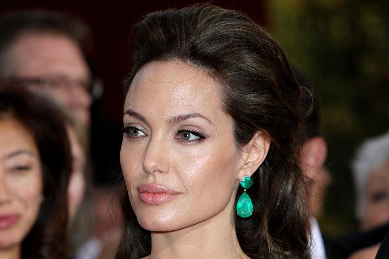 Un make up leggero permette una maggiore libertà nella scelta degli accessori (2009)