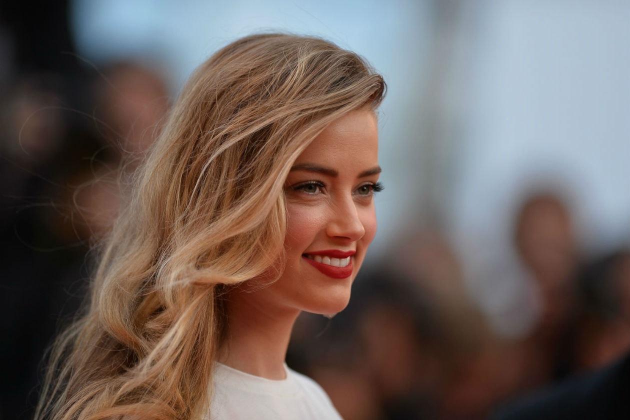 Amber Heard vince il premio best red lipstick a Cannes