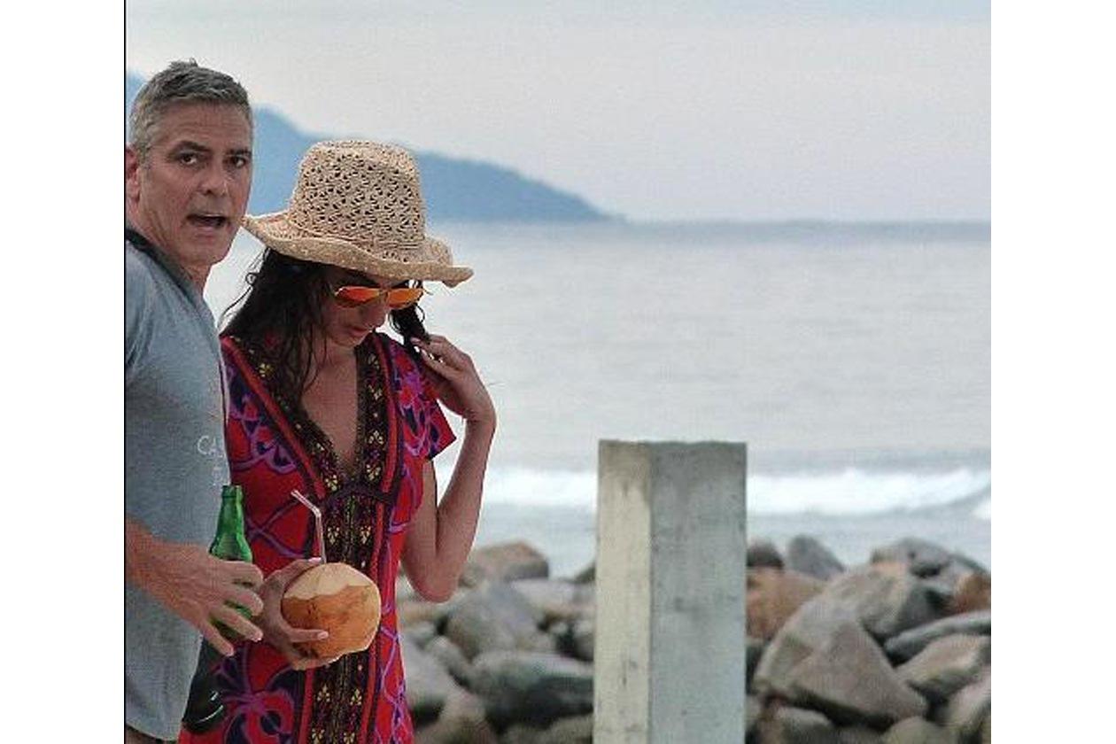 """È sempre vero che """"in amor vince chi fugge"""" e in questo caso Amal ha stravinto. Beata lei."""