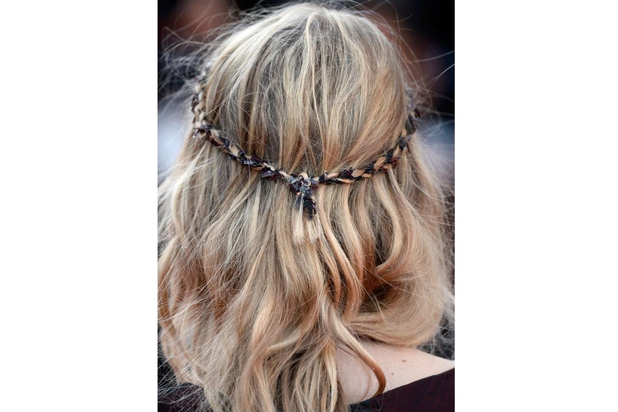 Il dettaglio dell'hairdo di Melanie