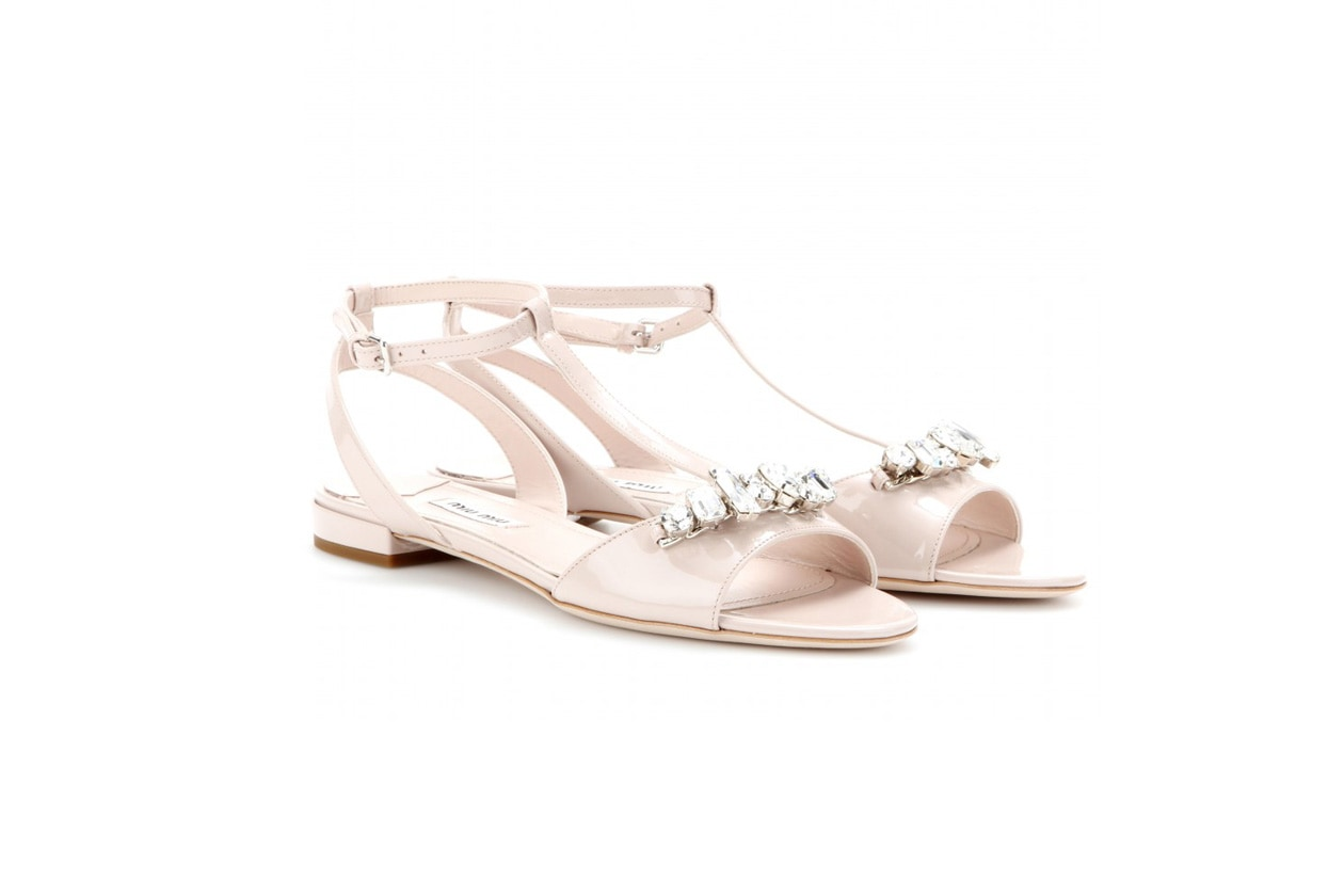miu miu mytheresa Crystal embellished patent leather sandals STANDARD