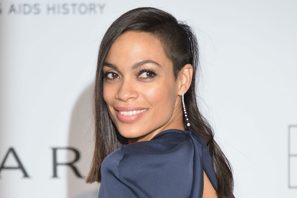 Best sidecut da red carpet per Rosario Dawson
